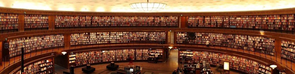Bibliothek als Sinnbild für ein Glossar bzw. Lexikon